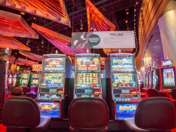You will find different slot zones with entertaining videocast at Revel Casino.